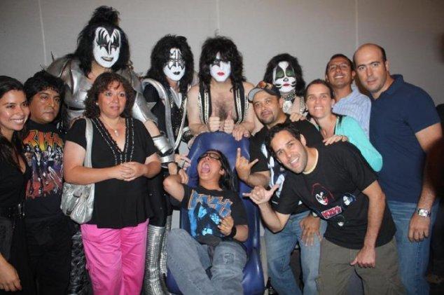 En Lima - Perú junto a los miembros de la agrupación Kiss.